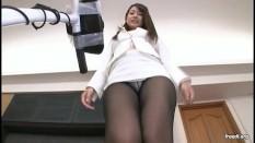 Ooba Yui Pantyhosed Upskirt Walking On Treadmill