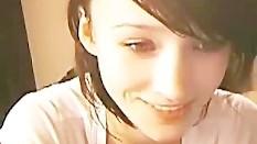 Cute Brunnette Teen Fingering On Cam