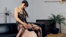 Facesitting Femdom Goddess & Pussy Ass Slave Worship